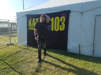 Joe Nichols Getting ready for Meet and Greet